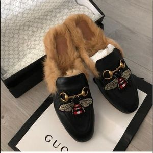 d9d82a2e2 Gucci Shoes   Nwt Leather Mules Bee Collection Size 39   Poshmark